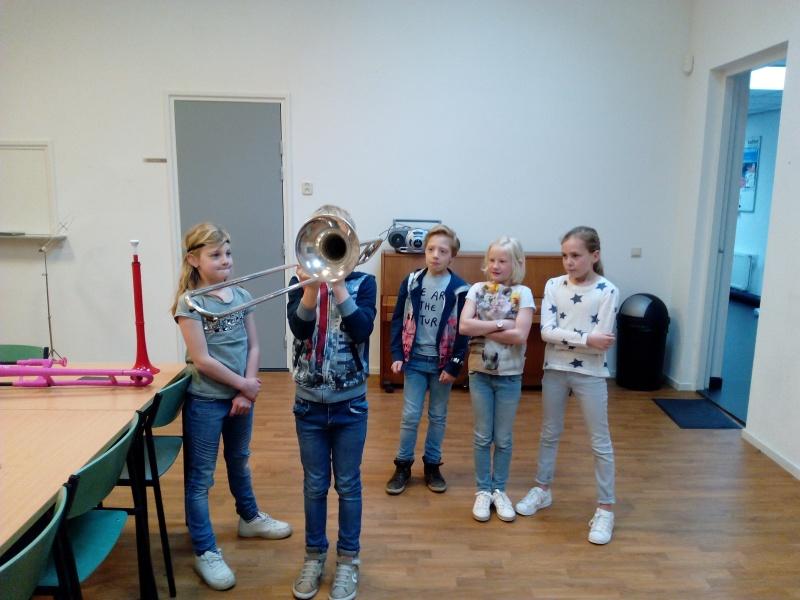 Bekijk het album instrumenten carrousel groep 5a